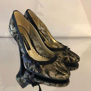 Beverly Feldman Black/Gold Lace Pumps